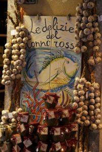 Taormina Geschäft mit Knoblauch