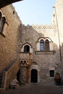 Taormina Palazzo Corvajo