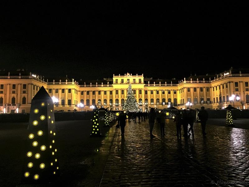 Schloss Schoenbrunn Wien Christkindlmarkt