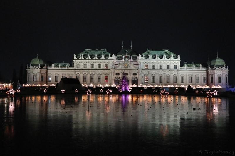 Wien Oberes Schloss Belvedere Weihnachtsdorf