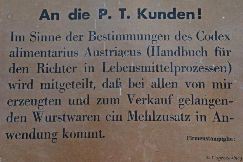 Dorfmuseum Moenchhof Greißlerei Tafel: Kennzeichnung fuer Mehlzusatz in der Wurst