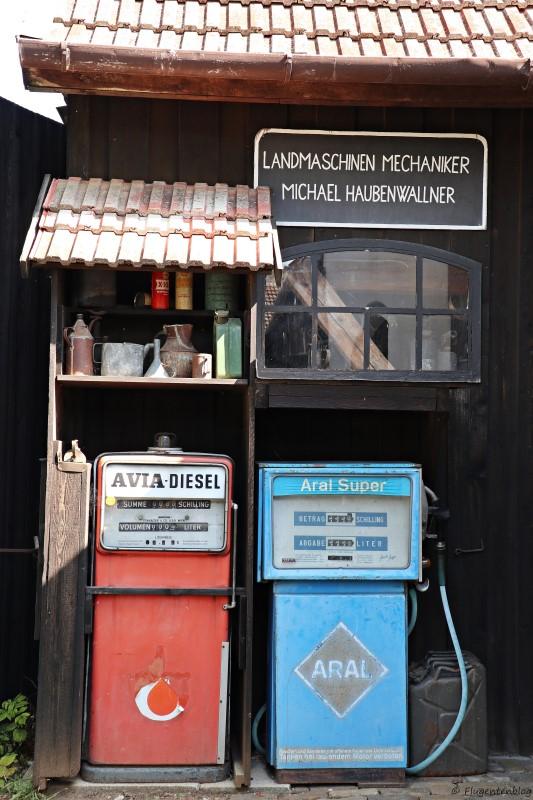 Dorfmuseum Moenchhof alte Tankstelle
