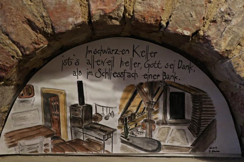 Dorfmuseum Moenchhof Gemaelde im Schwarzen Keller