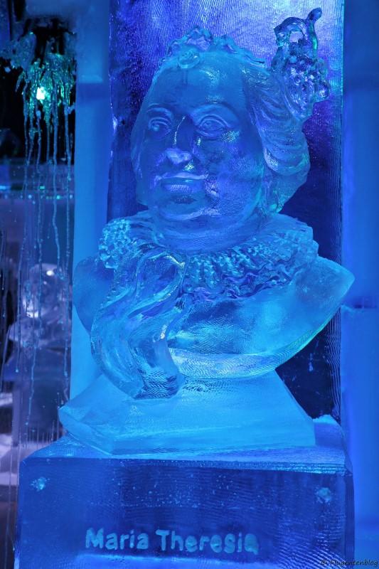 Bueste von Kaiserin Maria Theresia aus Eis