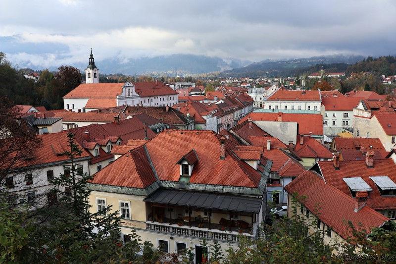 Ausblick von Mali Grad auf die Stadt Kamnik