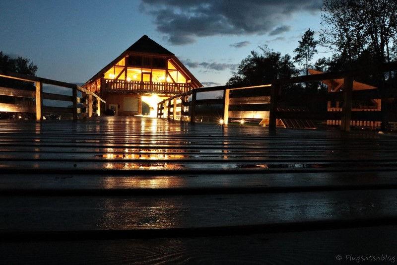 Aufnahme des beleuchteten Restaurants