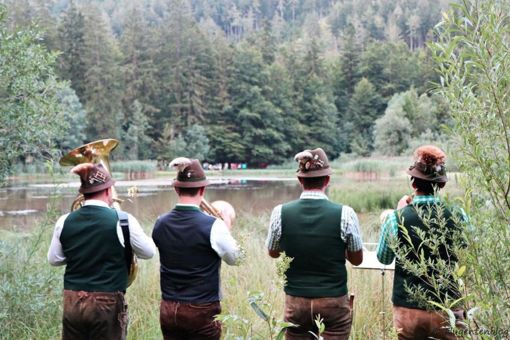 Blaesergruppe mit 4 Maennern am Taferlklaussee