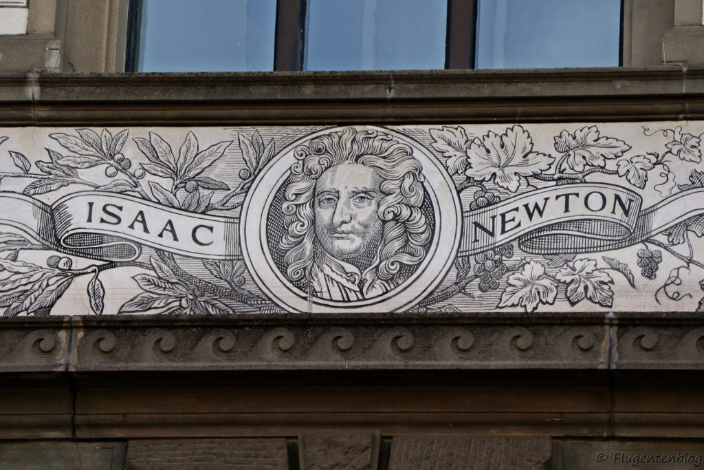 Zuerich Sehenswuerdigkeiten ETH Universitaet Fassade Isaac Newton