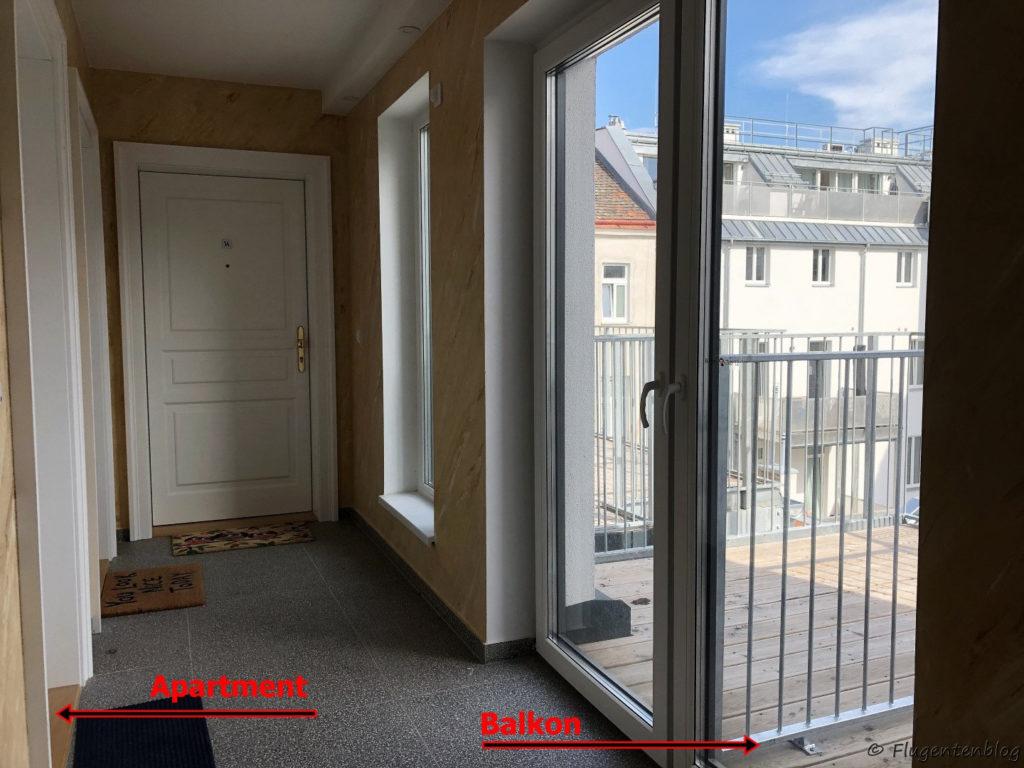 Unterkunft Wien Red Monkey Vienna Apartment Zugang zum Apartment und zum Balkon
