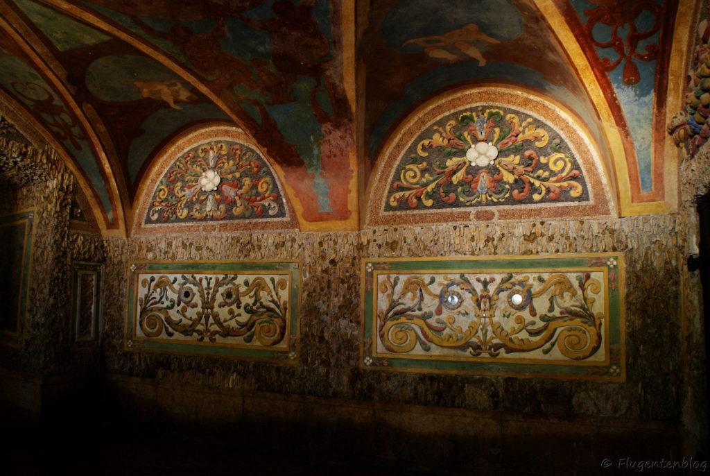 Schloss Hellbrunn Wasserspiele Ruinengrotte